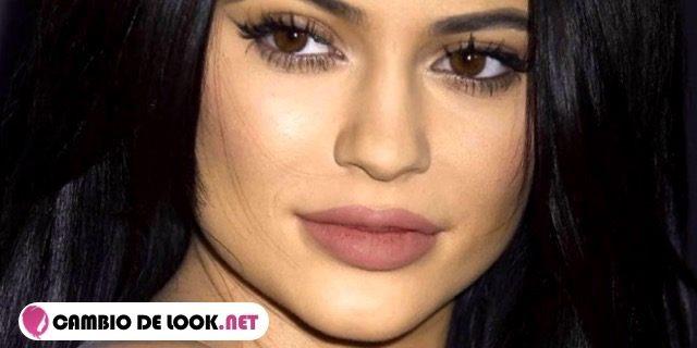 Maquillar los labios comoKylie Jenner