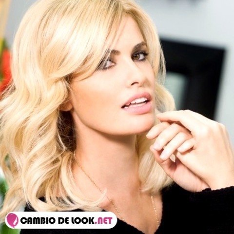 Adriana Abenia sus mejores peinados