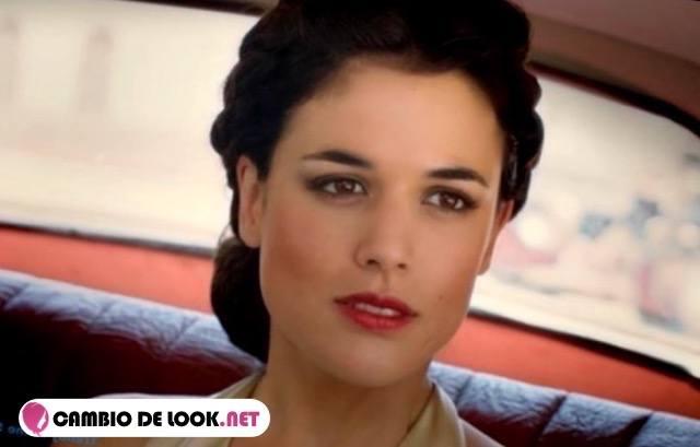 Adriana Ugarte su pelo suelto